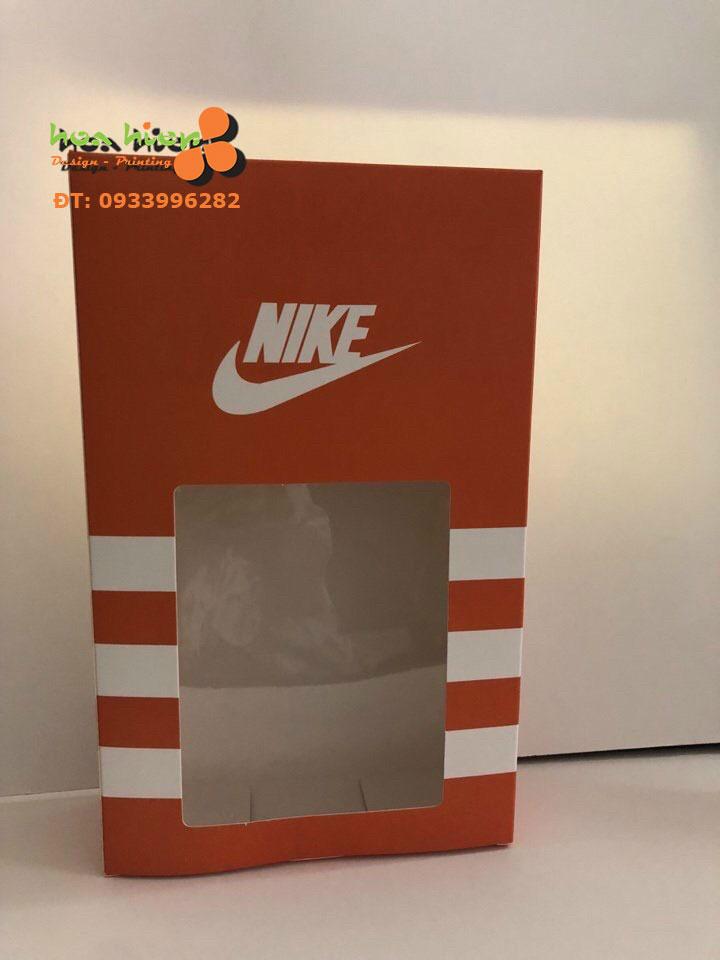 Hộp đựng quần áo Nike