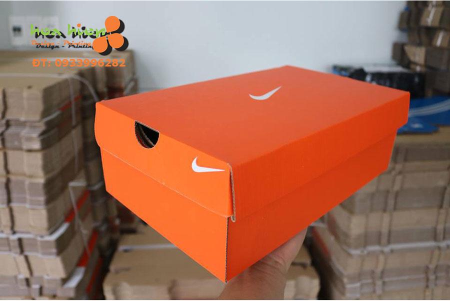 Hộp đựng giày Nike